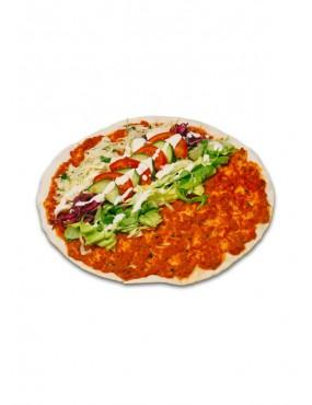 Lahmacun with salad